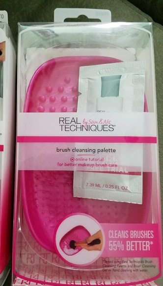 8d81f84a4c51 Makeup brush cleaning kit NWT